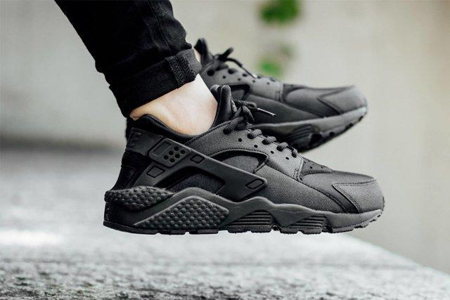 Nike Huarache Triple Black 3