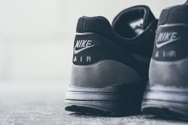 Nike Am1 Ultra Moire Black Black 2