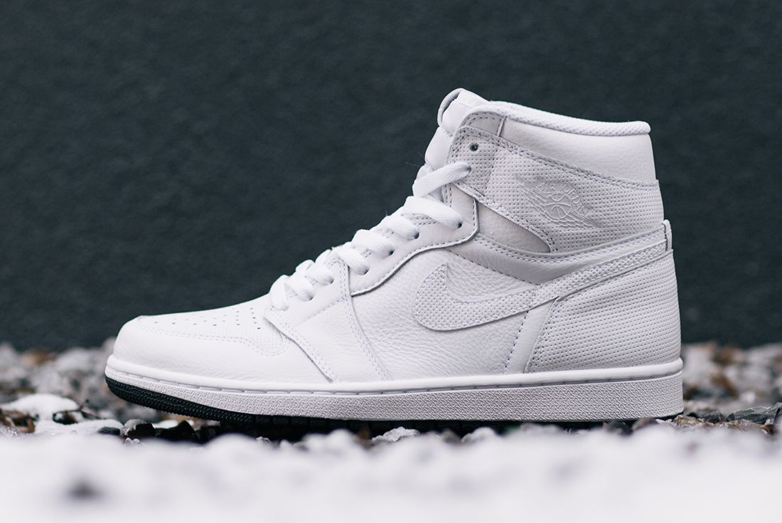 Air Jordan 1 Yin Yang Packfeature