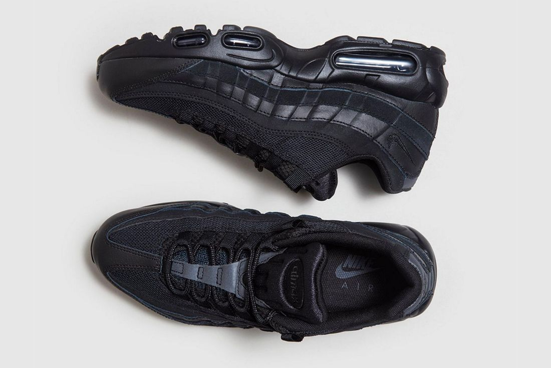 Nike Air Max 95 Blacked Out