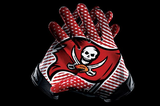 Tampa Bay Buccaneers Glove 1