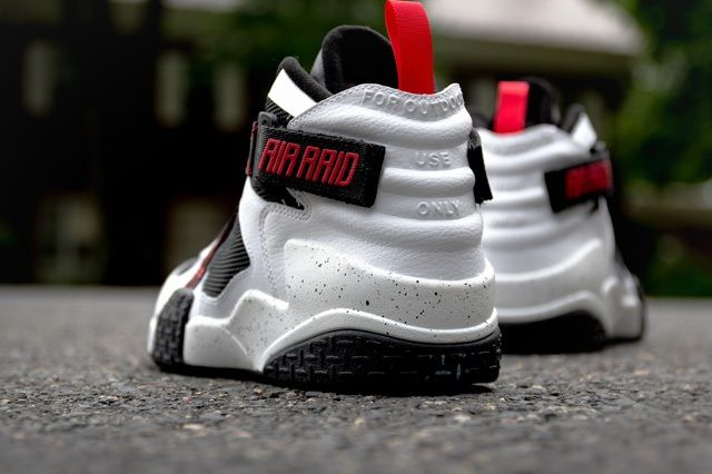 Nike Air Raid White Black University Red 2