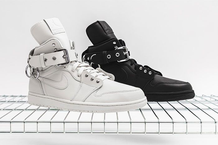 Comme Des Garcons Air Jordan 1 Black And White Right Side View