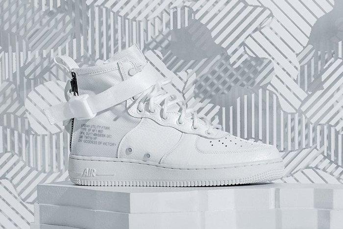 Nike Sf Air Force 1 Mid Snow
