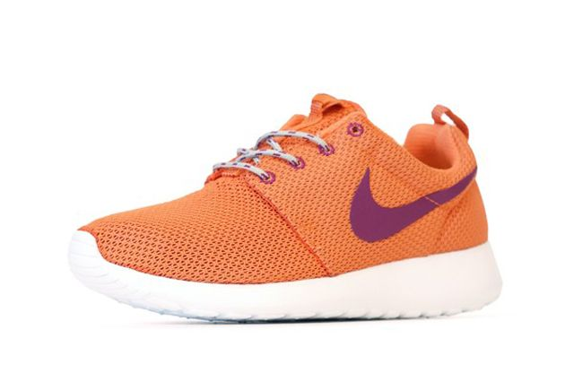 Wmns Rosherun Orng Perspective