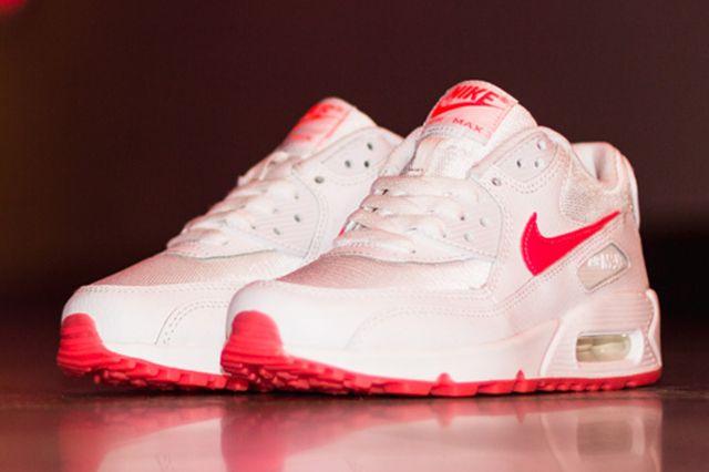 Nike Air Max 90 Hyper Punch 3