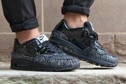Nike Vac Tech Wmns Qs Black Tie Pack Thumb