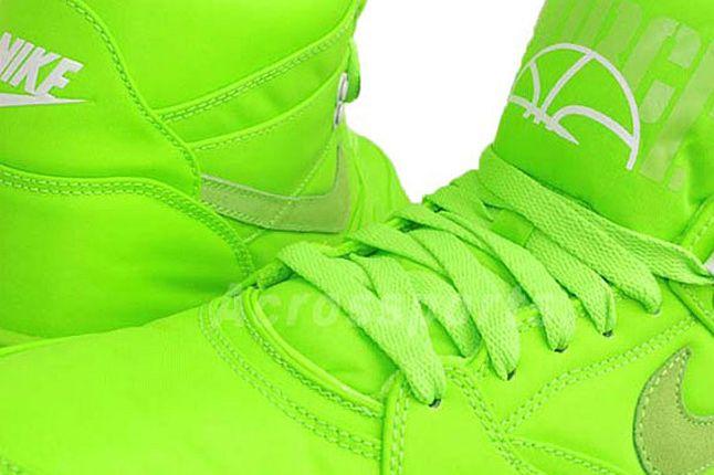 Nike Sky Force Mid Neon 02 1