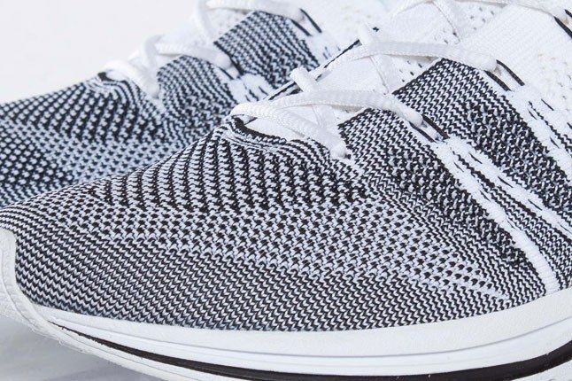 Nike Flyknit Black White Toe 1