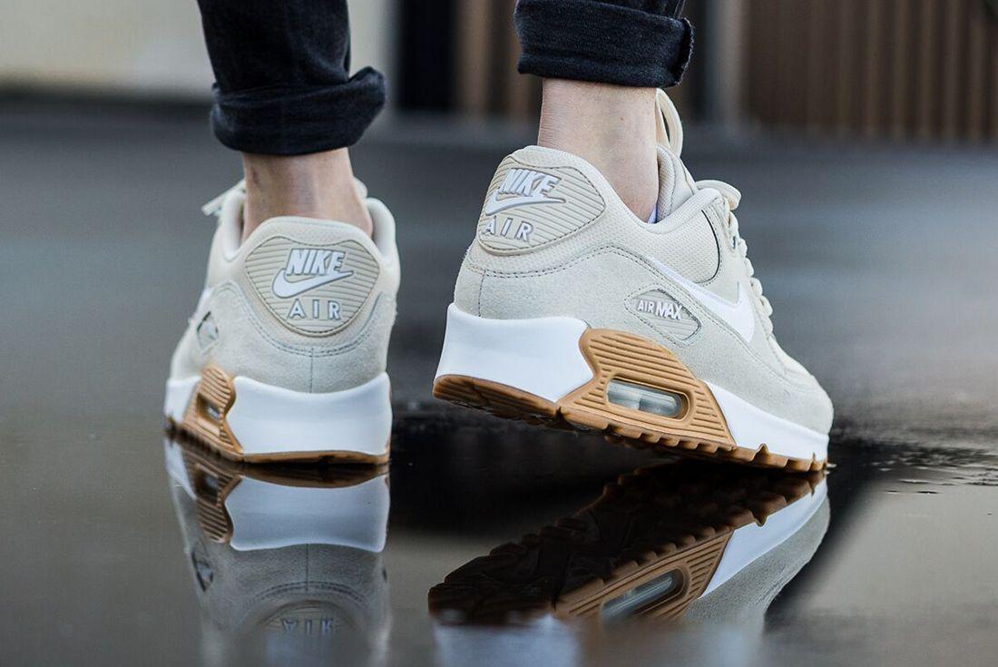 Nike Air Max 90 Womens Oatmeal Gum2