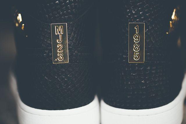 Air Jordan 1 Pinnacle Black Gold 4