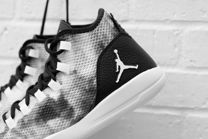 Air Jordan Reveal Premium Smoke1