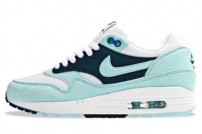 Nike Air Max 1 Womens Mint Candy 01 1