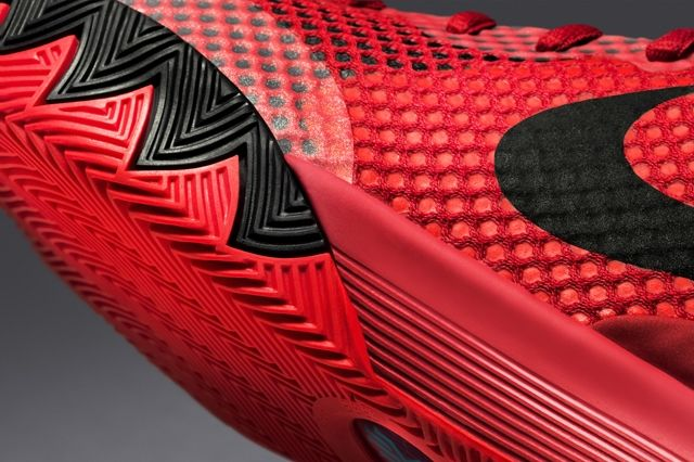 Nike Introduces The Kyrie Red Sneak 7