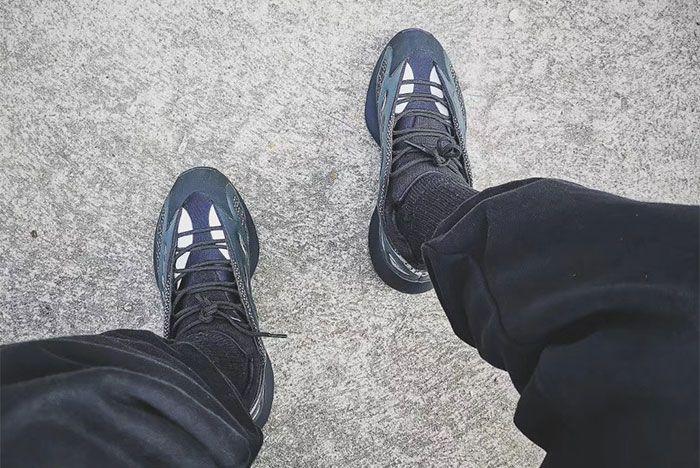 Adidas Yeezy 700 V3 Black Top