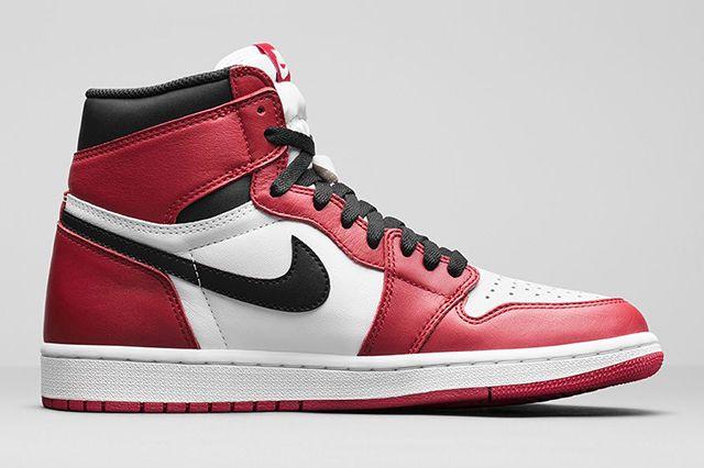 Air Jordan 1 High Chicago 3