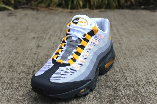 Nike Air Max 95 Nosew Clgrey Varsitymaize Toe Profile 1