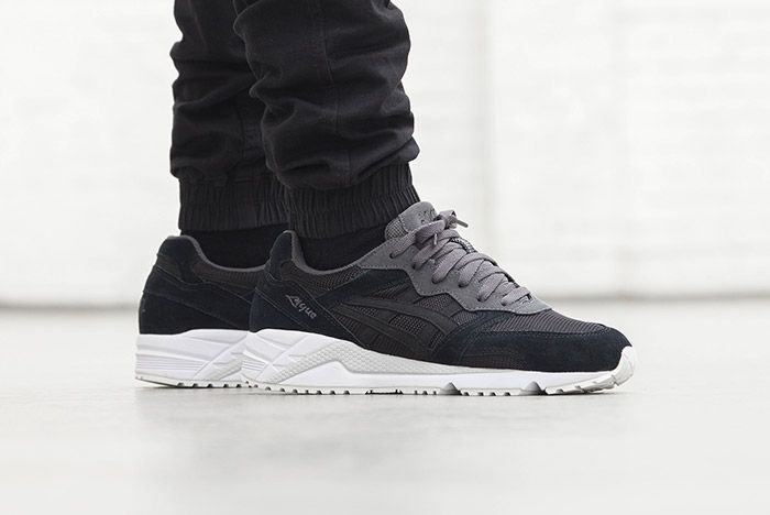 Asics Gel Lique Black On Feet 1
