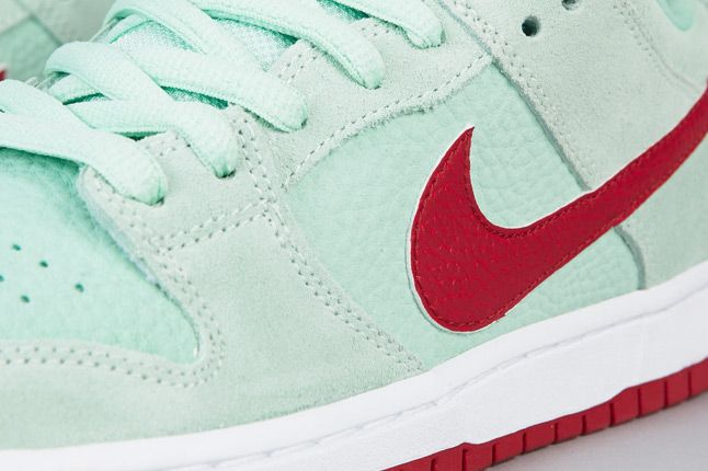 Nike Sb Dunk Low Pro Medium Mint Gym Red White Details 1