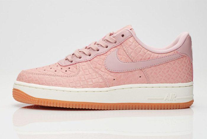 Nike Air Force 1 07 Wmns Pink Glaze 6