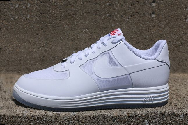 Nike Lunar Force1 Lthr White White Chilling Red Profile 1