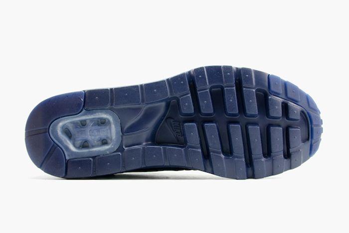 Nike Am1 Ultra Moire Midnight Navy Mate Bump 3