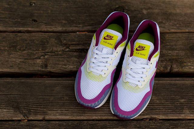 Nike Wmns Air Max 1 Breeze Bright Grape 3