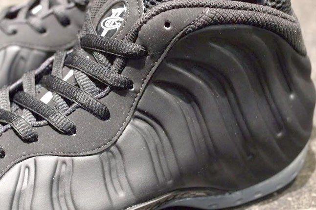 Nike Foamposite All Black 1