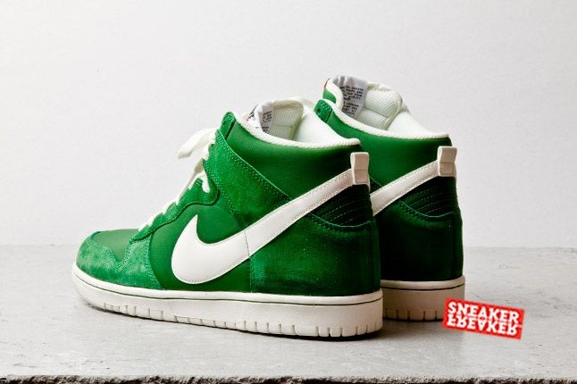 Nike Dunk Hi Fortress Green Heel Quarter