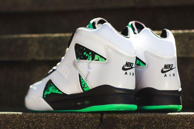 Nike Atc Hybrid Green Glow Bump 1