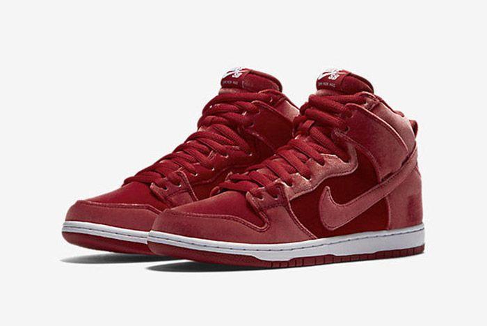 Nike Sb Dunk High Red Santa 6