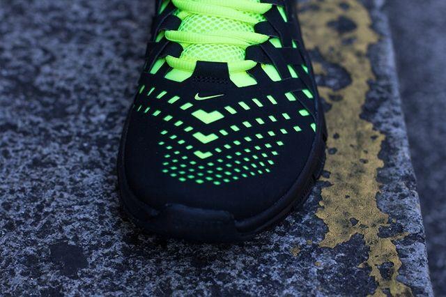 Nike Free Trainer 5 Volt Black Toebox