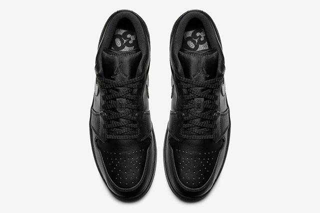 Air Jordan 1 Low Triple Black4