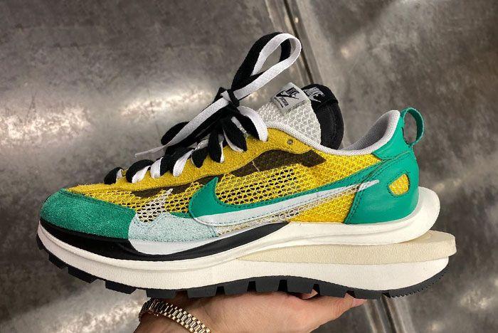Michael Lamjc Sacai Nike Vaporwaffle Green In Hand