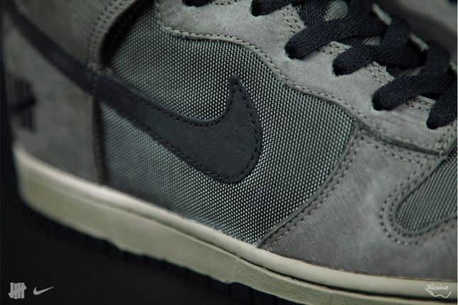 Undefeated Nike Bringbackpack Dunk Midfoot Detail 1