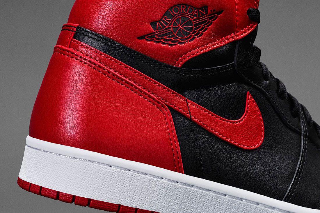 Air Jordan 1 Banned 3