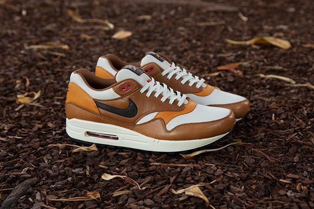 Nike Escape Pack 8