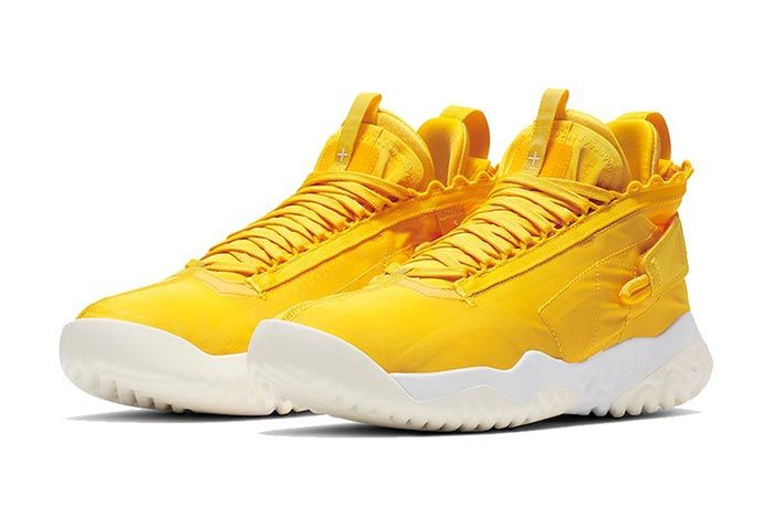Jordan Proto React Yellow White Pair