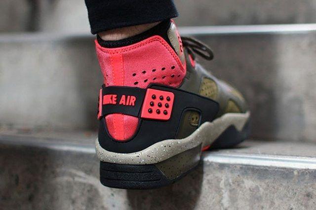 Nike Air Mowabb Militia Green3