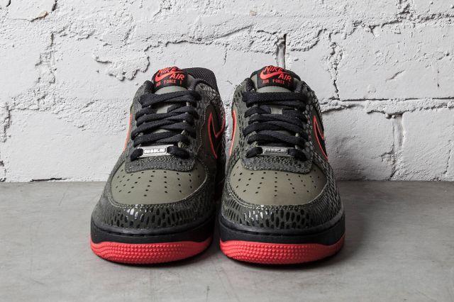 Nike Air Force 1 Medium Olive Light Crimson 3