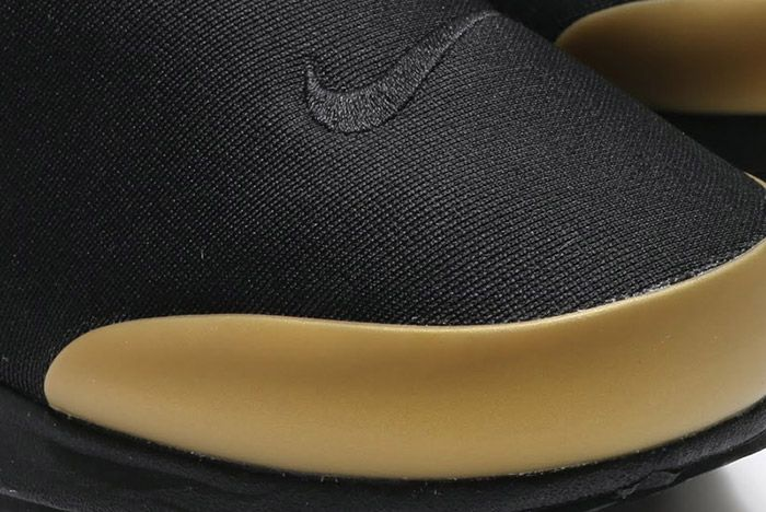 Nike Air Presto Black Metallic Gold 4