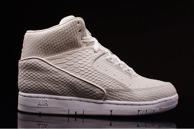 Nike Python Off White