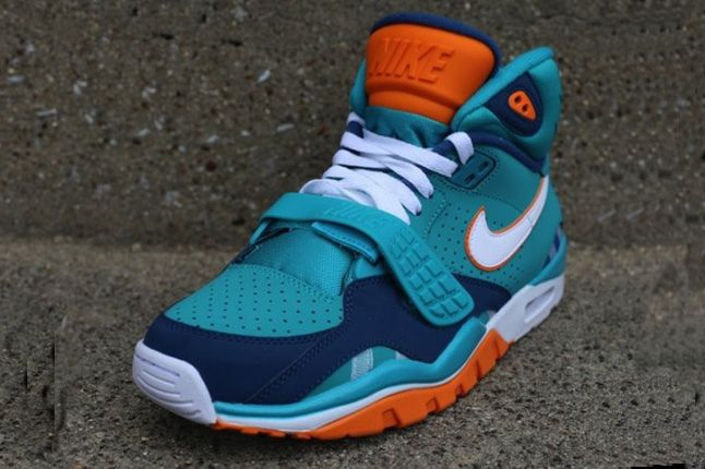 Nike Air Trainer Sc Ii Qs Nfl Miami Dolphins Front Quarter 1