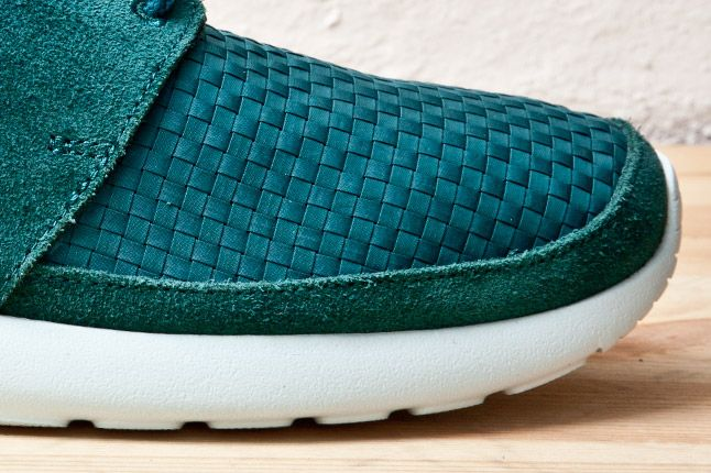 Nike Roshe Run Woven Teal Toe 1