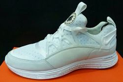 Nike Lunar Huarache Light Thumb