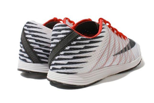 Nike Lunar Spider R 3 Heels 1