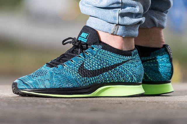 Nike Flyknit Racer Blue Gecko Thumb