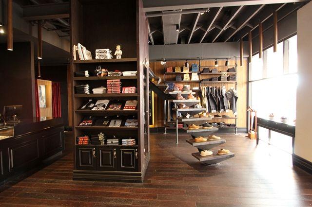 Cabinet Noir Store Opening 1