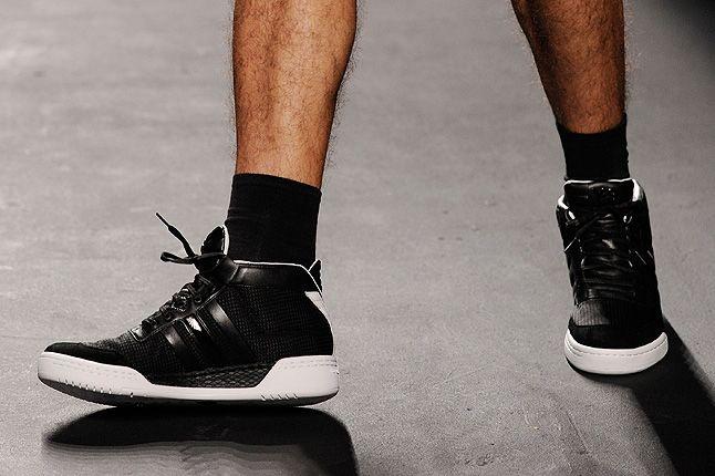 Y3 Black Sneaker High Top White Midsole 1