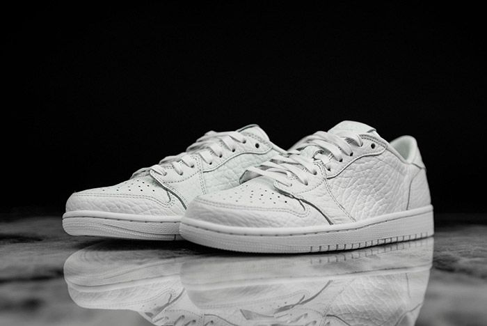 Air Jordan 1 Low Swooshless White 2